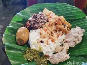 Angkringan Blok M : Makan Malam Puas dengan Lebih dari 30 Pilihan Lauk