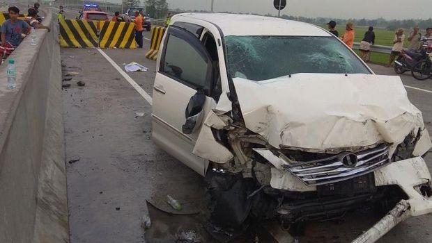 Kecelakaan terjadi diduga karena pengemudi tak hati-hati