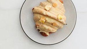 Di Sini Anda Bisa Mencicip Croissant Rasa Baru, Banana Pudding Croissant!