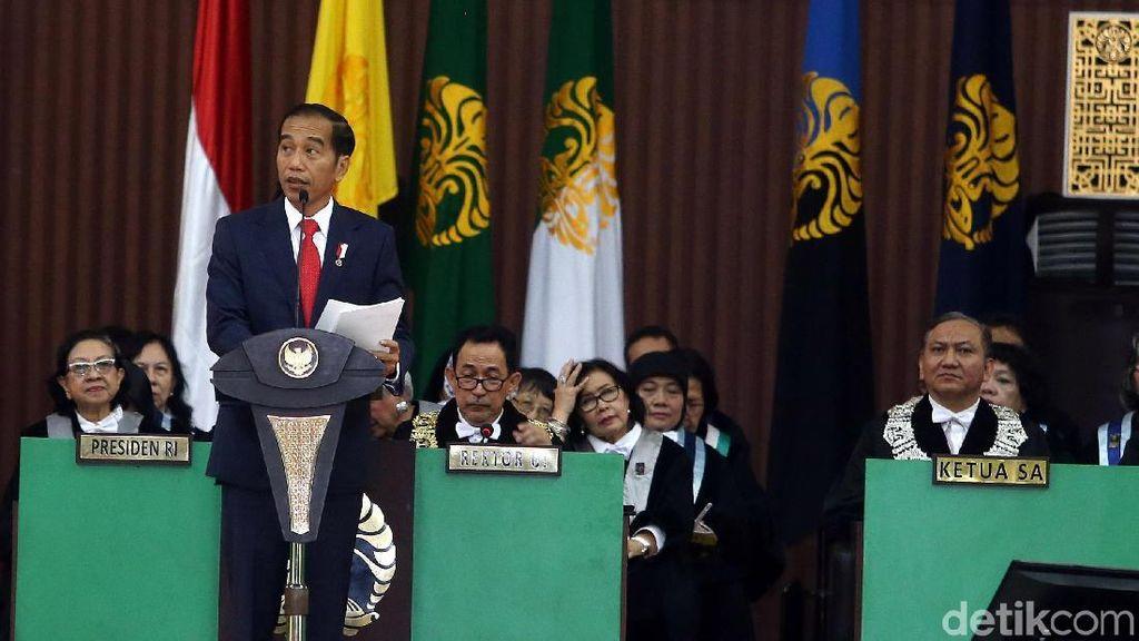 Jokowi: Ada Pasar Online, Supermarket Tunggang Langgang