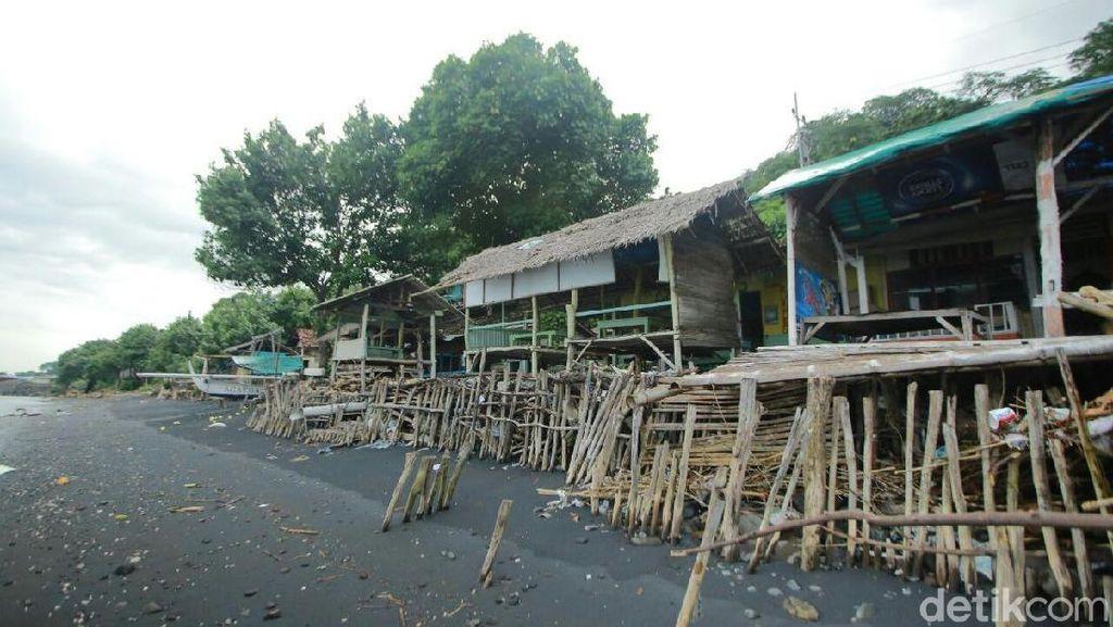 Wah, Pantai Watudodol Banyuwangi Terlihat Masih Kumuh