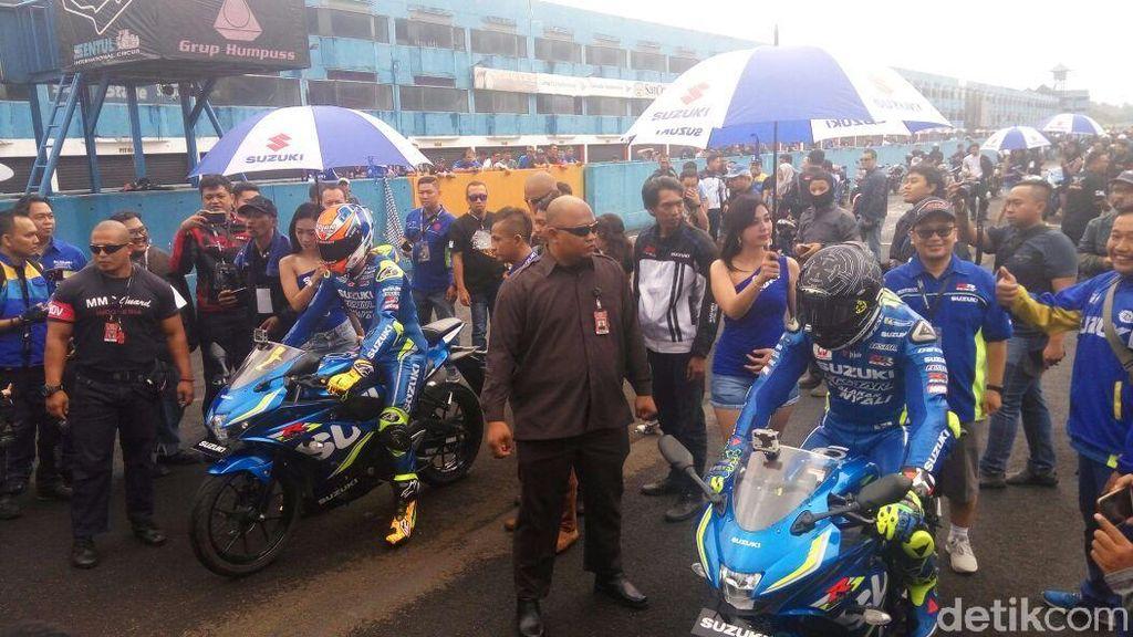 Iannone dan Alex Rins Kenalkan GSX-R150 di Depan Bikers Suzuki