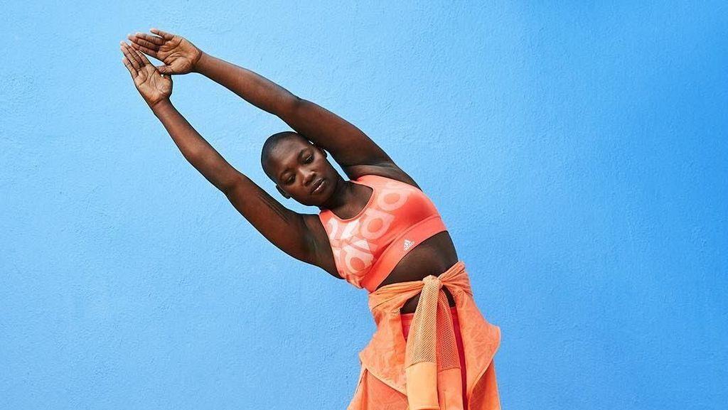Wanita Inspiratif yang Punya Satu Kaki Jadi Model Baju Olahraga Asos