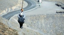 Foto: Wush! Ada Flying Fox Terpanjang Sedunia di UEA