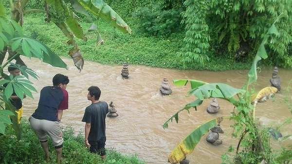 Apa Makna di Balik Batu Bersusun Misterius di Sungai Cidahu?