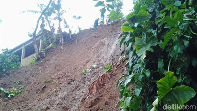 Diguyur Hujan Sejak Kemarin, Longsor Melanda 2 Kecamatan di Kudus