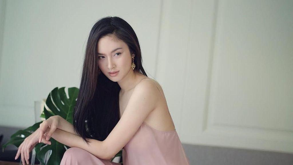 15 Potret Nong Poy, Transgender Thailand Paling Cantik di Dunia