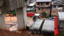 Foto: Lokasi Crane yang Ambruk di Jatinegara