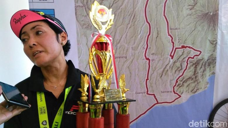 Ibu Rumah Tangga Bawa Pulang Trofi Juara GFNY Bali 2018