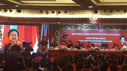 Sekjen PDIP Janji Menari Kecak 3 Jam Jika Wayan Koster Menang di Bali
