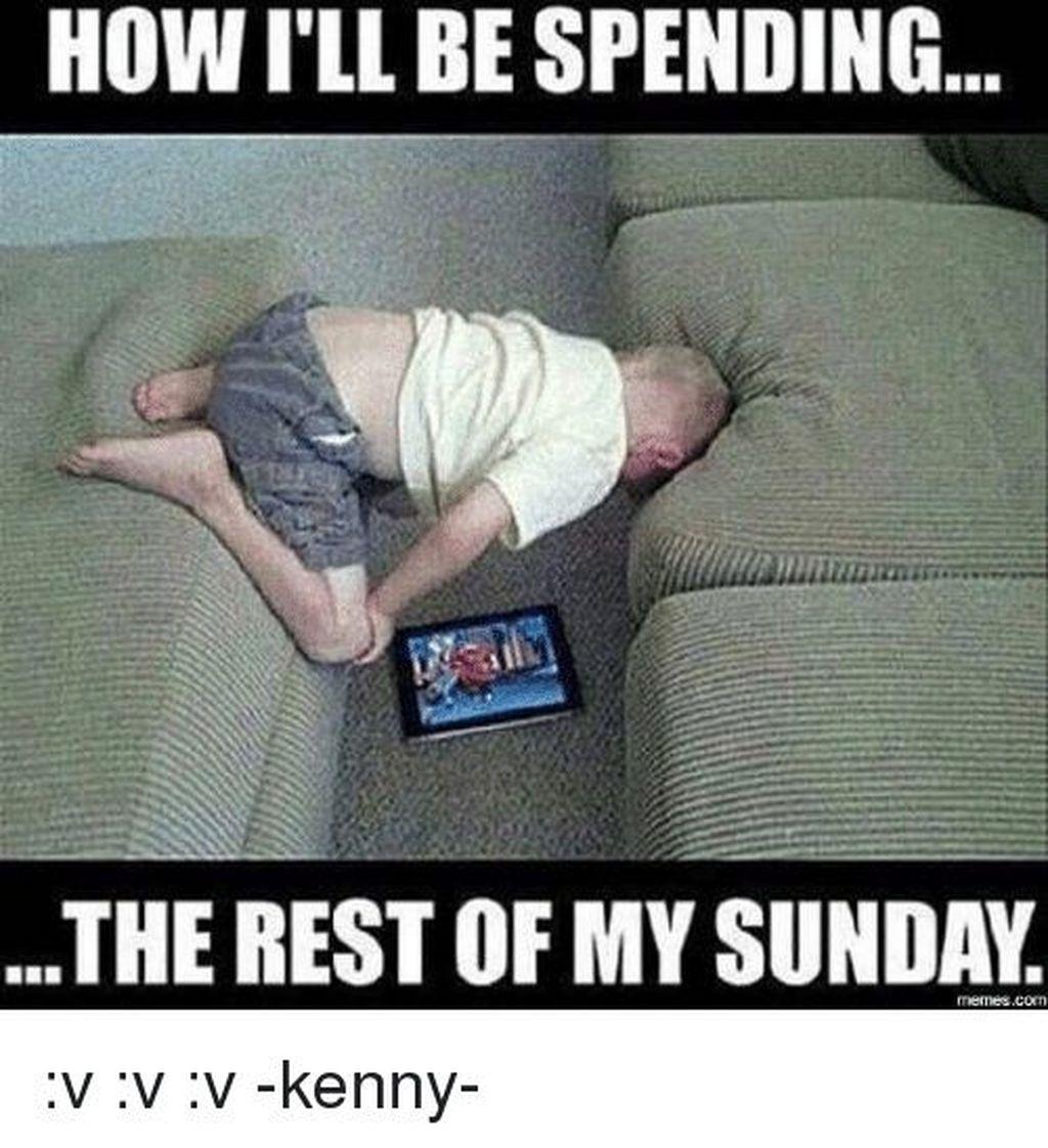 Salah satu posisi favorit di hari Minggu. Foto: Internet