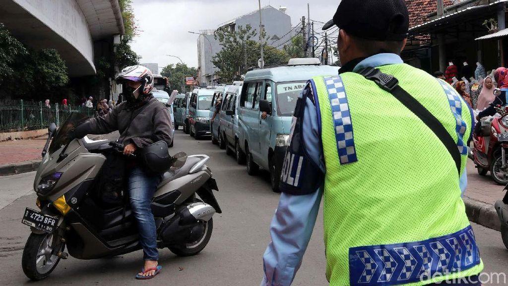 Aturan Belum Ada, Pemotor Lewat Jalan Jatibaru Tak Bisa Ditindak