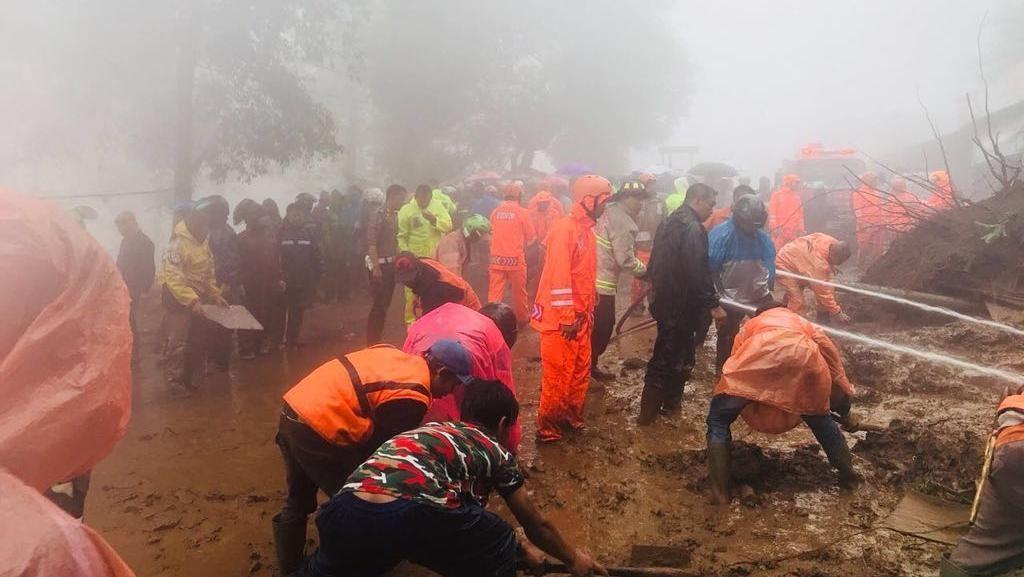 Puncak dan Banjir Jakarta Ramai Dibicarakan di Twitter