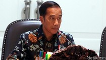 Jokowi Bagikan Bansos Keluarga Harapan ke 5.597 KPM di Dharmasraya