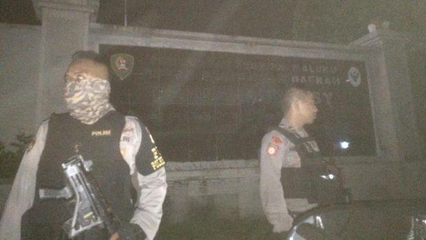 Bentrok Antar-Pemuda Terjadi di Ambon, Polisi Lepas Gas Air Mata