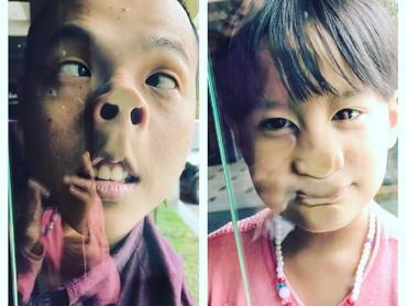Dasarnya komedian, Ernest suka banget berpose konyol bareng anak. Hi-hi. (Foto: Instagram/ernestprakasa)