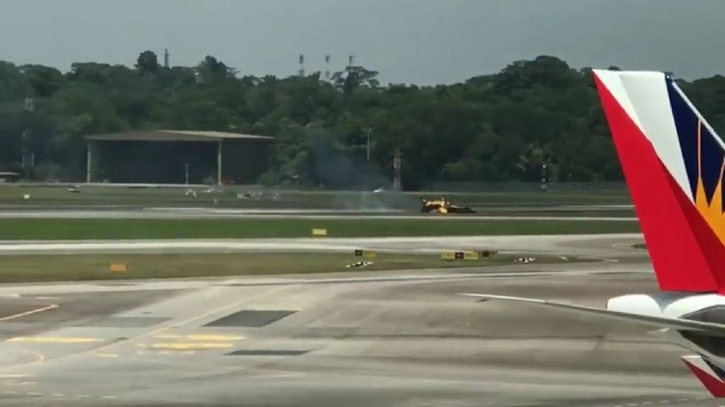Detik-detik Black Eagles dari Korsel Terbakar di Singapore Airshow