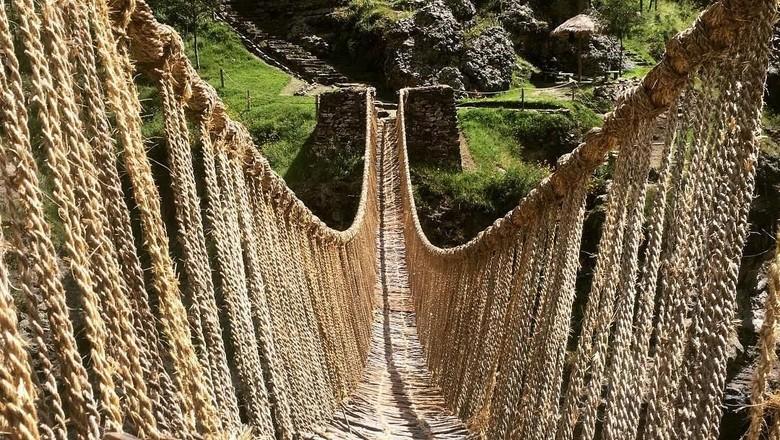 Jembatan Rumput Keshwa Chaca, Peru (Instagram)