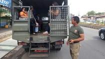 Cilegon Lumpuh, Mobil Aparat Diterjunkan Angkut Penumpang