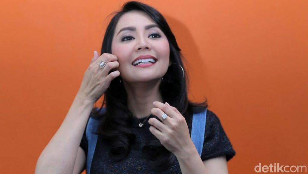 Tessa Kaunang Bingung Sandy Tumiwa Labil Banget