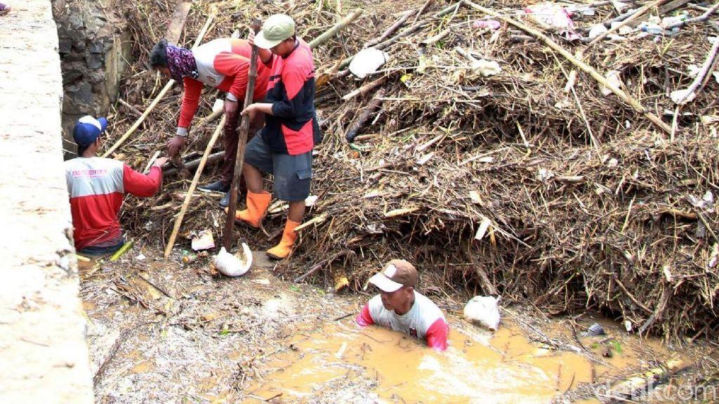 Warga Mangkang Wetan Semarang Kerja Bakti Usai Diterjang Banjir