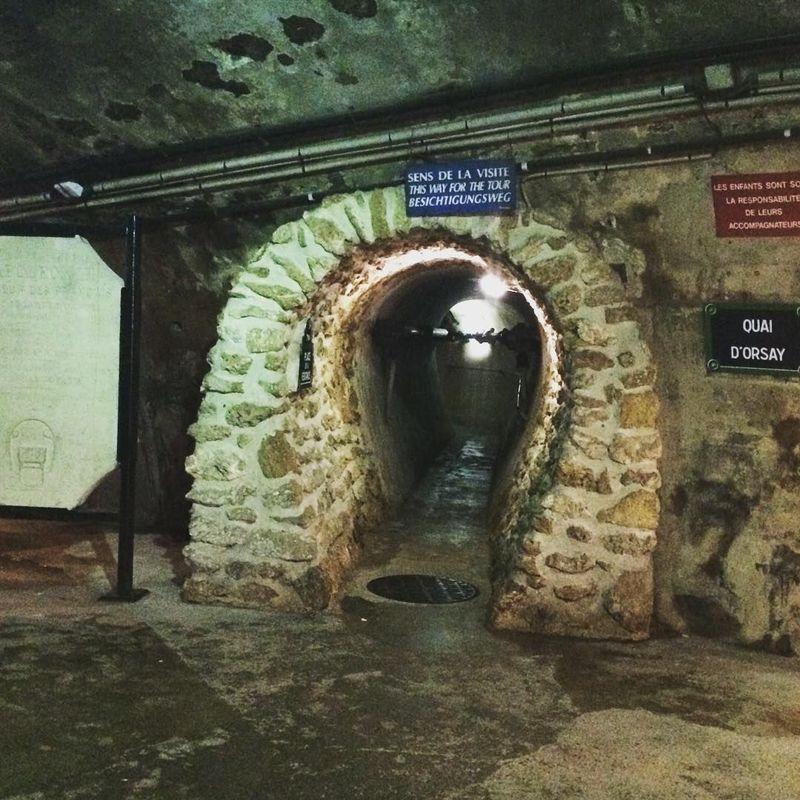 Musee des Egouts de Paris atau disebut Museum Selokan merupakan saluran selokan bawah tanah yang sangat luas di Paris (bex_bays/Instagram)