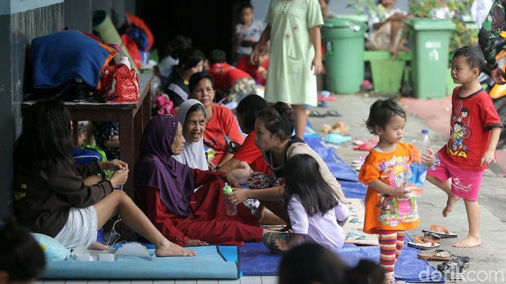 Menkes Imbau untuk Tetap Jaga Kebersihan di Tempat Pengungsian Banjir