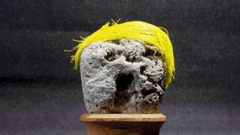 Batu berbentuk Donald Trump (@Great Big Story/Youtube)