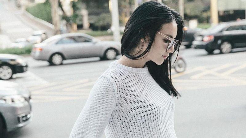 Terlepas dari statusnya sebagai anak miliuner Singapura, dara cantik berumur 25 tahun ini juga gemar traveling. Ini fotonya saat liburan ke Korea Selatan (@kimlimhl/Instagram)