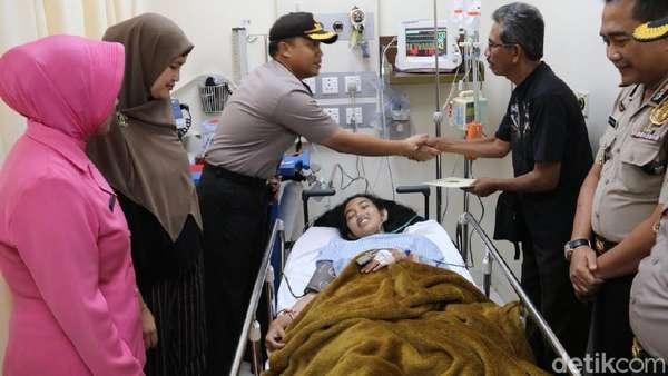 Kondisi Mukhmainna Korban Longsor Bandara Soetta Membaik