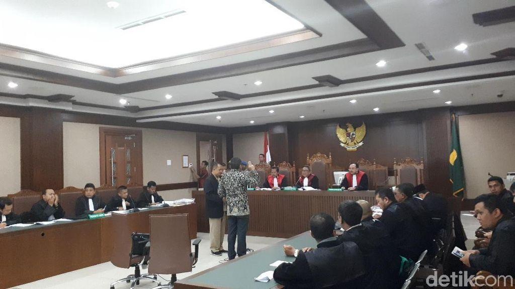 Hasto Sebut Cuitan Alfian Tanjung Pengaruhi Suara Rano Karno