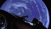 NASA Sebut Tesla Roadster Tak Akan Sampai ke Mars