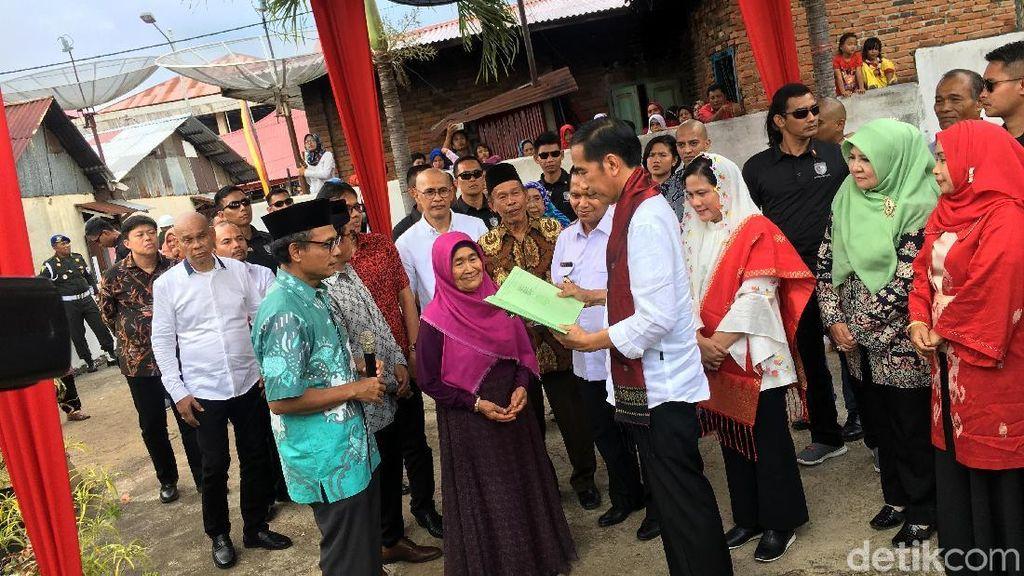 Jokowi Bantu Bangun Museum Tokoh Pers Adinegoro di Sawahlunto
