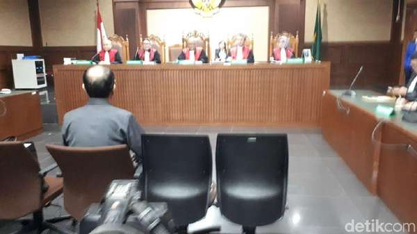 Saat Novanto Tiba di RS, Bimanesh Minta Perawat Buang Surat Pengantar