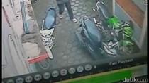 Terekam CCTV, Begini Aksi Pencuri Sepeda Motor di Pasar Rebo