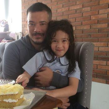 Zack Lee rayakan ulang tahun putrinya.