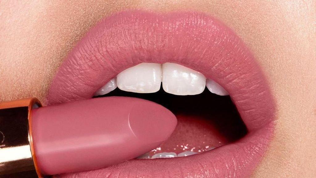 Pecinta Lipstik, Ini Perona Bibir Paling Cocok Buat Kamu Sesuai Zodiak