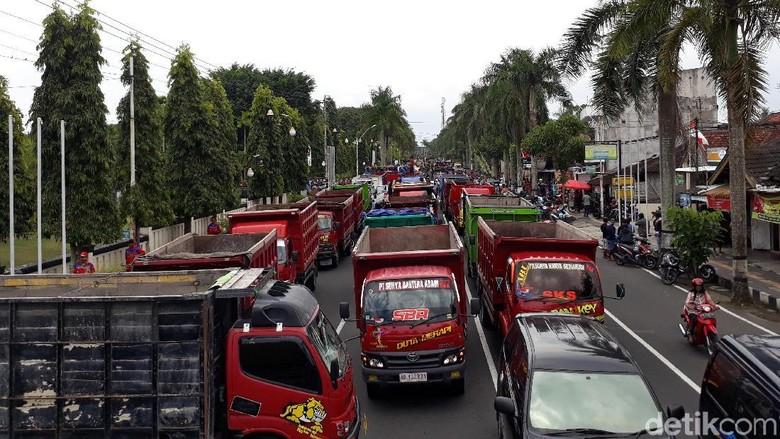 Ada Demo Sopir Truk, Arus Lalin di Jalan Yogya-Magelang Dialihkan