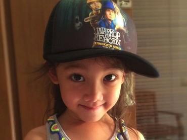 Tanggal 21 Maret mendatang, gadis cilik bernama lengkap Jenaka Mahila Sudiro ini genap berumur 6 tahun. (Foto: Instagram/ @mieke_amalia)