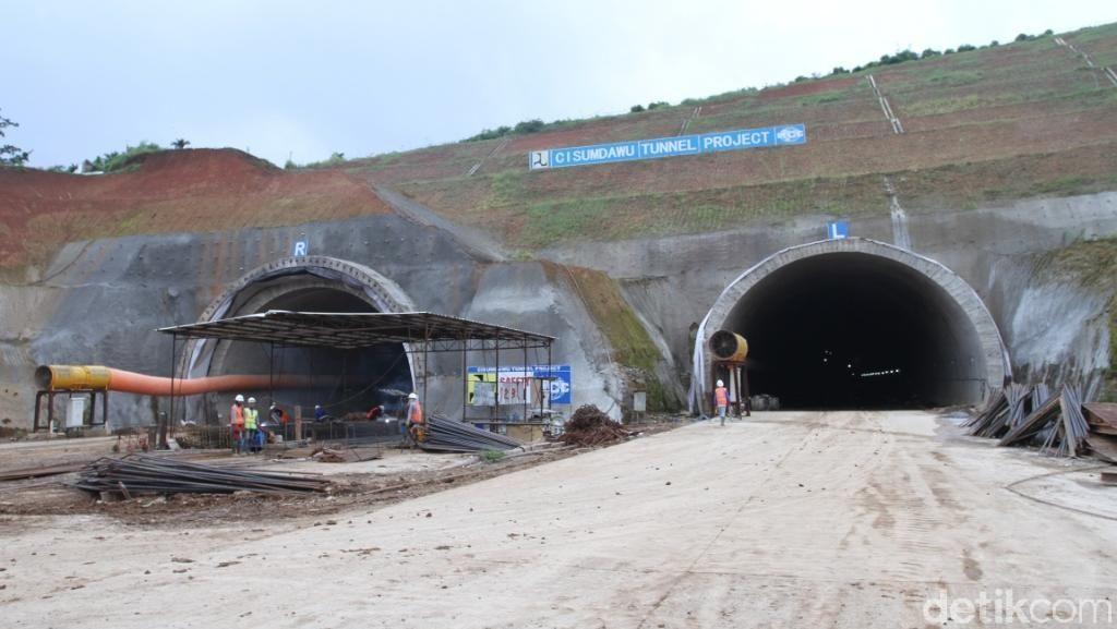 Tembus Bukit, Terowongan Tol Cisumdawu Bisa Dilewati Mudik