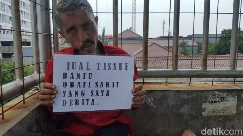 Pak Deden Penjual Tisu Tak Mau Mengemis: Hati Saya Tidak Buta