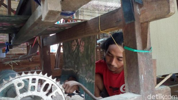 Di Jepara Ada Pemuda Kreatif Bikin Tenun Berbahan Ramah Lingkungan