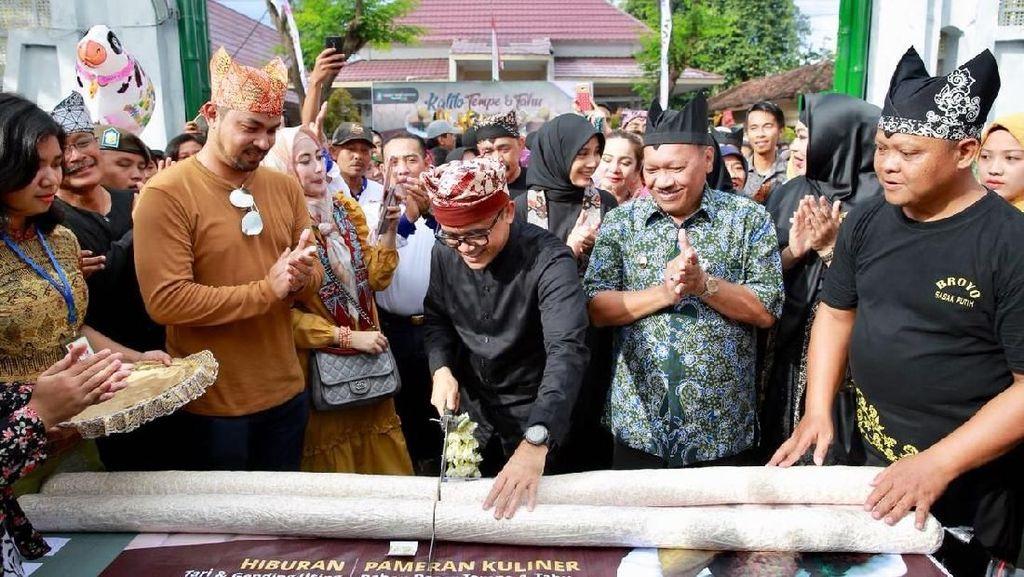 Wisatawan dan Warga Banyuwangi Padati Festival Tahu Tempe