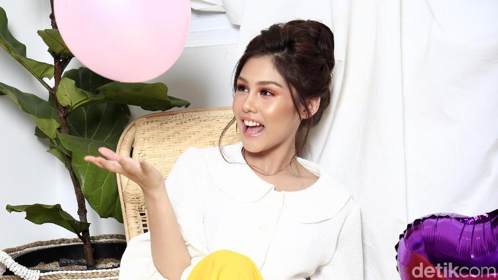 The Sweet Sensation Vanesha Prescilla, Celeb of The Month Bulan Ini