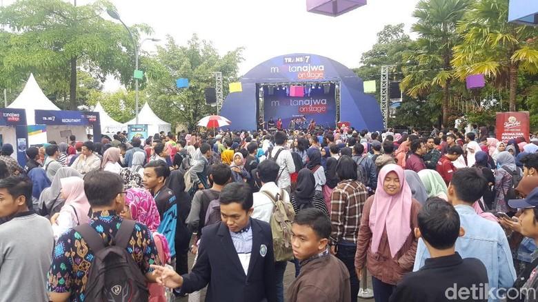 Antrean Mengular, Tukar Tiket Mata Najwa di Malang