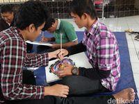 Mengolah Rasa Lewat Lukisan Para Penyandang Disabilitas Netra