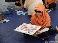 Mengolah Rasa Lewat Lukisan Para Tuna Netra