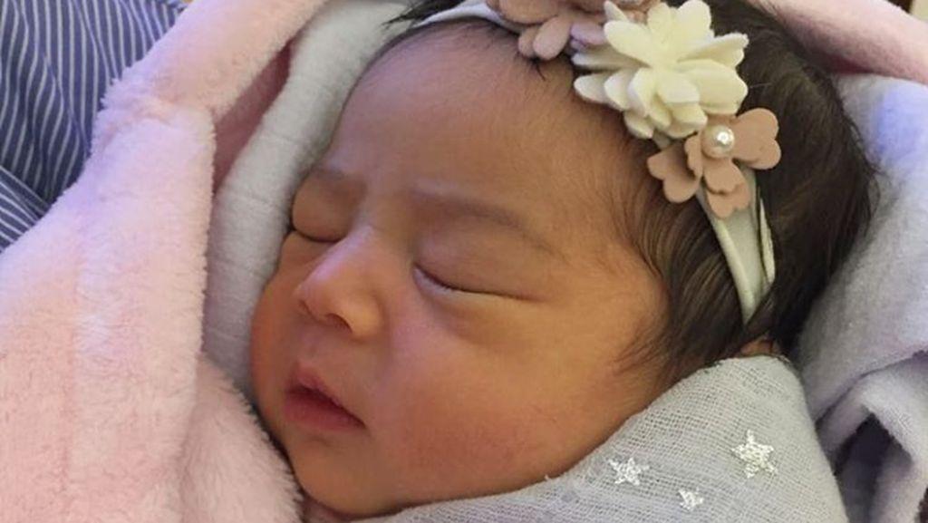 Ini Dia Raqeema, Putri Nabila Syakieb yang Cantik Sejak Lahir