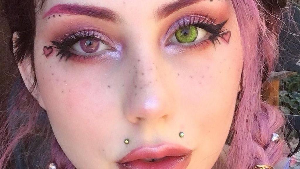 Kisah Wanita yang Buat Freckles di Wajah dengan Mentato Sendiri Kulitnya