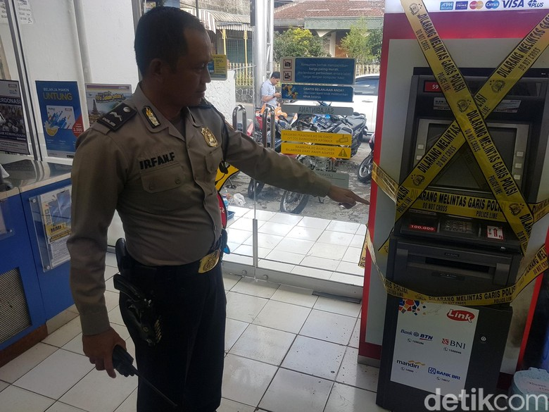 Pembobol ATM di Sukabumi Gondol Duit Rp 99 Juta